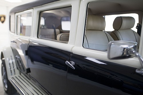Beauford Limousine front window