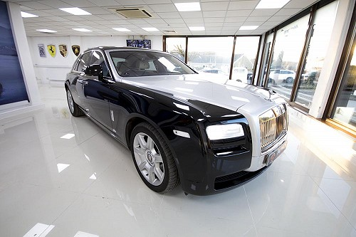 Front of Rolls Royce Ghost